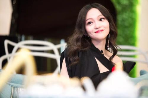 田馥甄 张韶涵 鞠婧祎三位女歌手 都称她最美