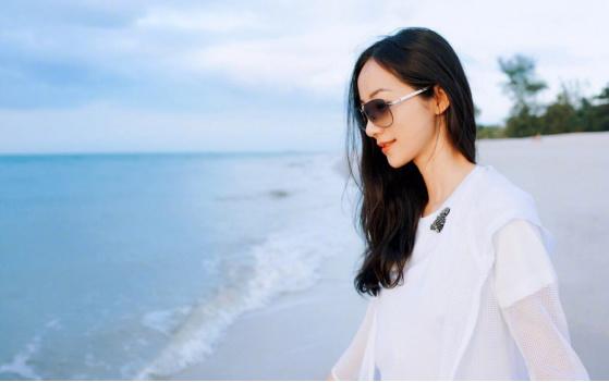 韩雪、关晓彤、张钧甯不仅智商高还是大长腿的女明星