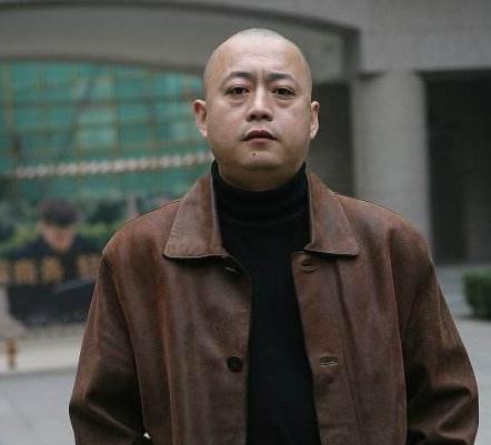 王宝德人气依旧同样参演一部电视剧,孙红雷迅速走红