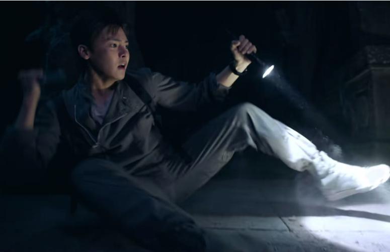 怒海潜沙:吴邪在研究瓷器时被困在耳室是在第几集