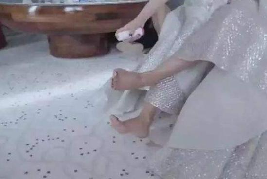 章子怡的高跟鞋神器到底是什么?
