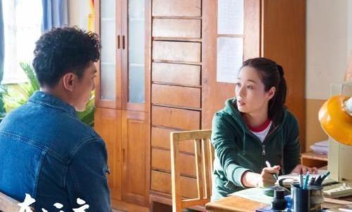 马伊琍和刘烨首次合作,《在远方》已经开播,年龄跨度非常大