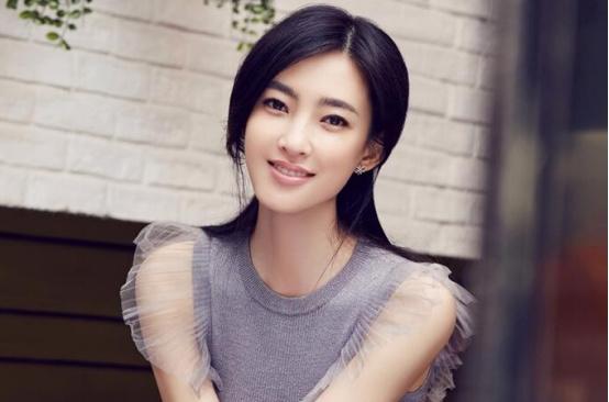 王丽坤真实年龄曝光,版本太多傻傻分不清,网友:保养的真好!
