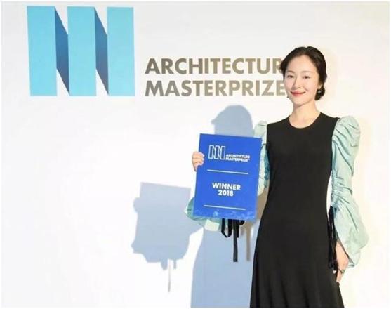 江一燕获奖引争议,原来是蹭奖,网友:演员就好好演戏!