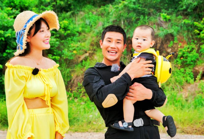 谢孟伟喜获二胎,三年抱倆,老婆今年才22岁!