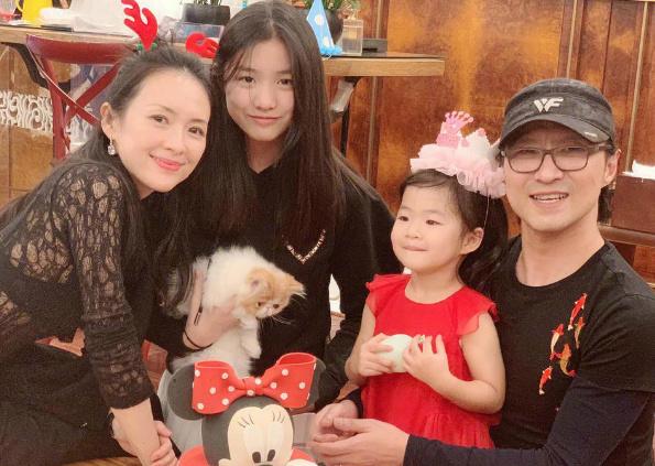汪峰前妻怼章子怡,语气非常激烈,网友表示信息量太大