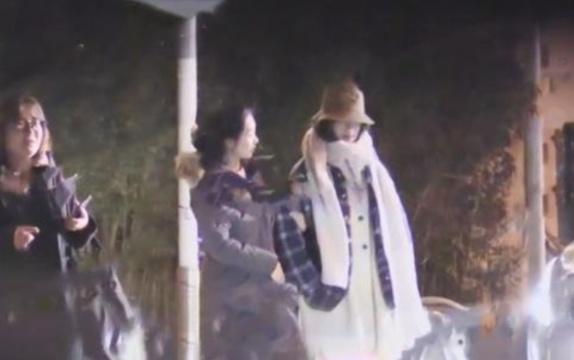 倪妮陈坤疑恋情曝光,深夜聚餐后,前往男方家中被拍