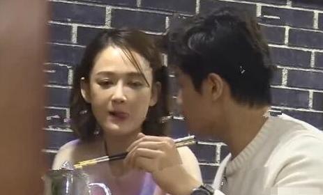 陈乔恩艾伦甜蜜约会,吃火锅甜蜜互动,狗粮猝不及防