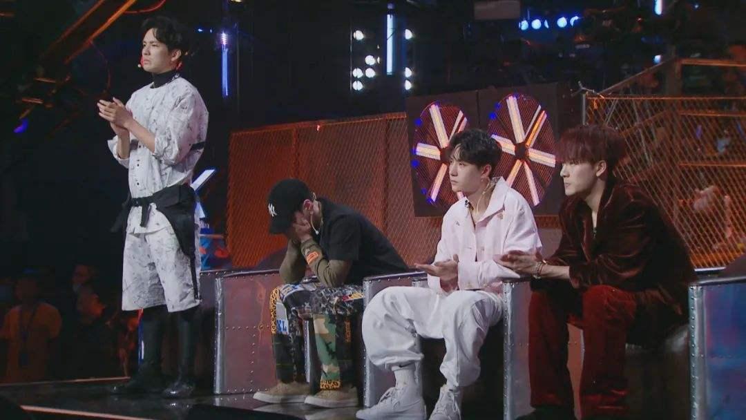 《这就是街舞第三季》小朝错失冠军反获千玺大赞!夺冠热门布布遗憾落败!