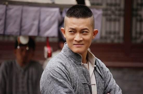 杨志刚和郭靖宇是什么关系?为什么不一个姓,这两年杨志刚为什么不拍戏了?